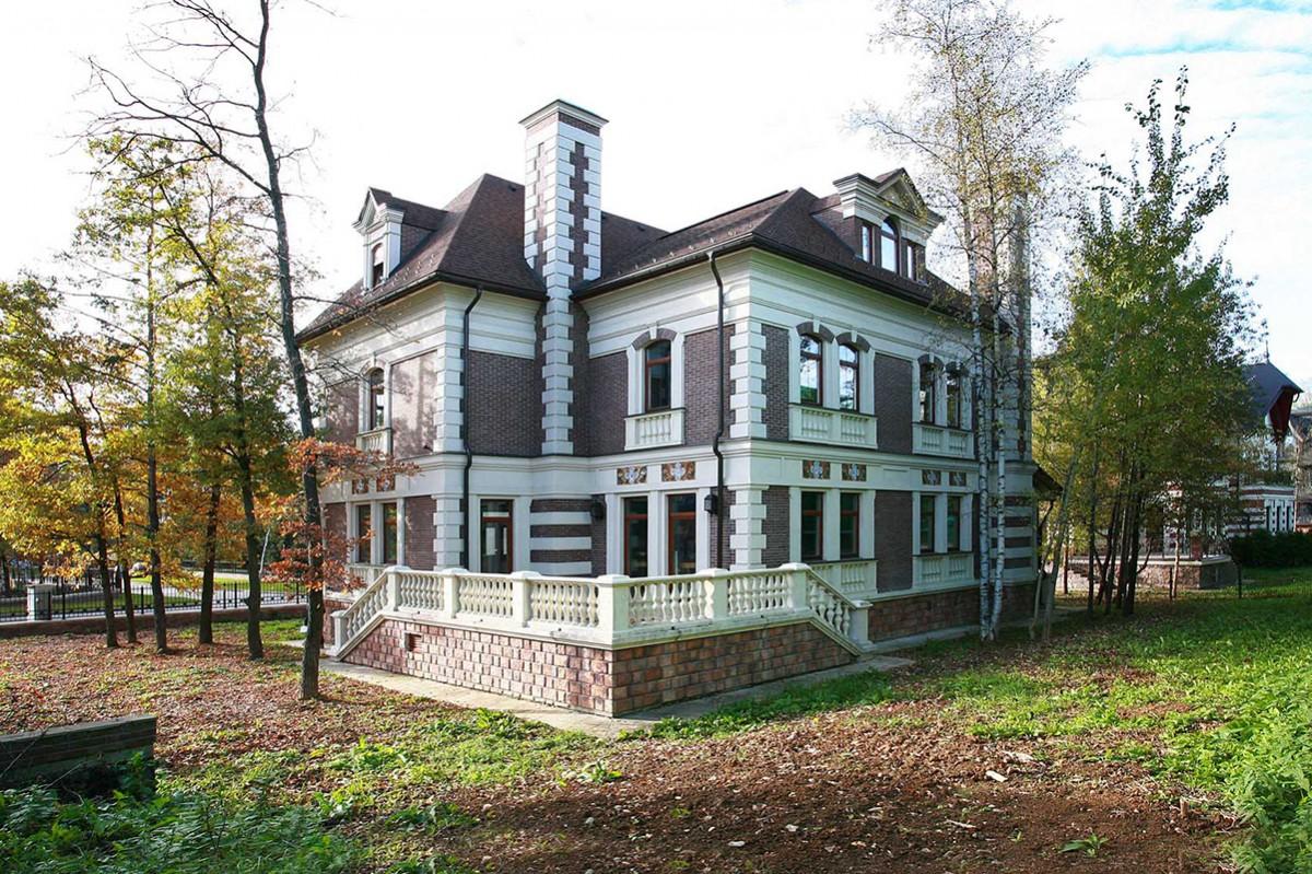 Дом 447 в КП Довиль, вид с участка