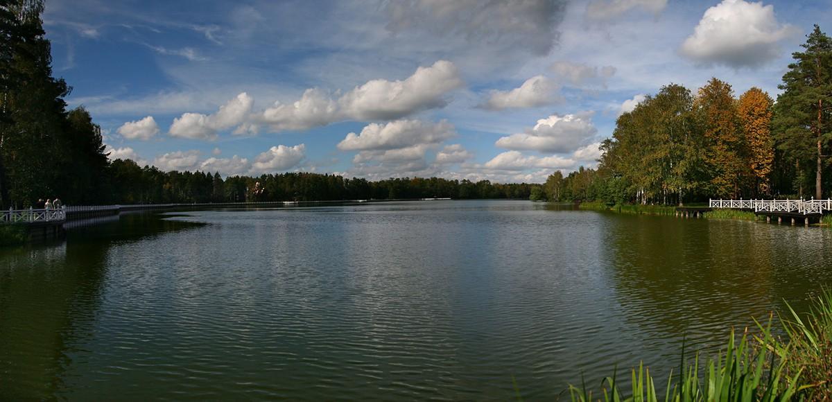 Озеро поселка Довиль