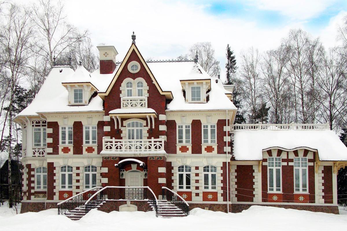 Дом Соваж в КП Довиль, зима