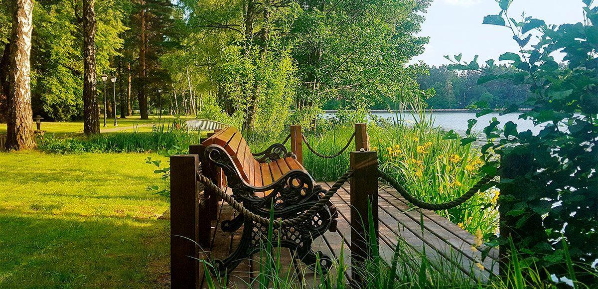 С видом на озеро