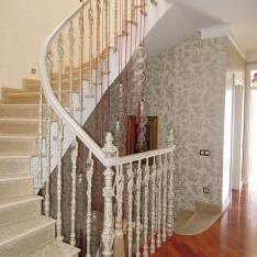 Лестница, вид 1, таунхаус 528, КП Довиль