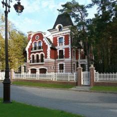 Дом Аверон в поселке Довиль