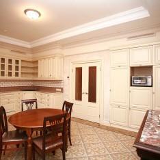 Готовая кухня таунхауса 526 в пос. Довиль