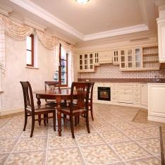 Кухня-столовая таунхауса 526 в коттеджном поселке Довиль