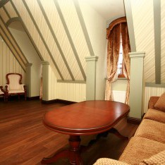 Вторая гостиная в мансарде дома 526