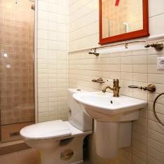 Ванная комната спальни №3 в доме Монпелье
