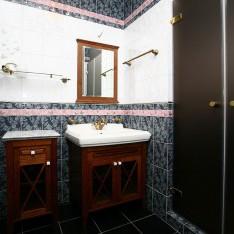 Ванная на мансарде, дом 409, поселок Довиль