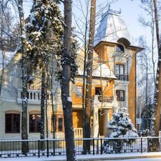 Оранжевый дом в КП Довиль