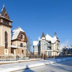 Зимняя улица в КП Довиль
